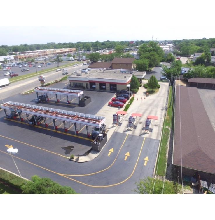 Westmont   Fuller's Carwash, Detail & Auto Center